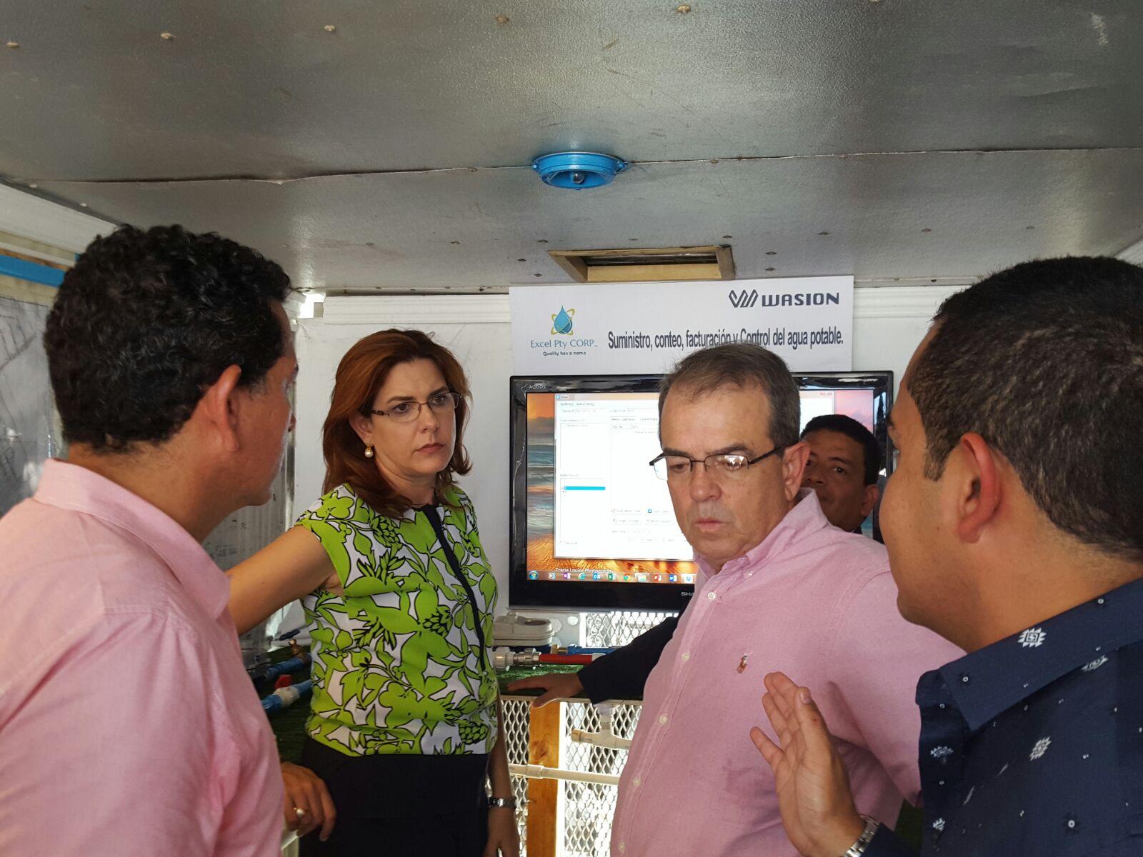 Empresa ExcelPtyCorp presenta medidores inteligentes al IDAAN